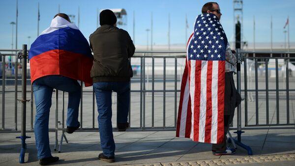 Prácticamente el 60% de los rusos ven a EEUU como una amenaza - Sputnik Mundo