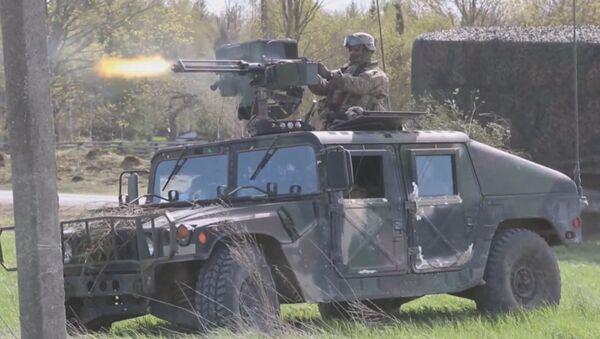La OTAN celebra el simulacro Erizo 2015 en Estonia - Sputnik Mundo