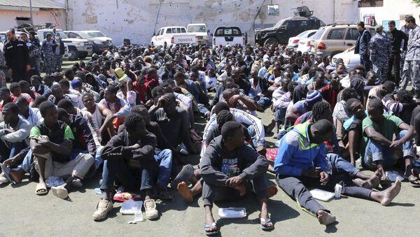 Centro de detención de inmigrantes ilegales en Tripoli (Libia). 17 de mayo de 2015 - Sputnik Mundo