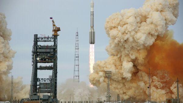 Cohete portador Protón-M (archivo) - Sputnik Mundo