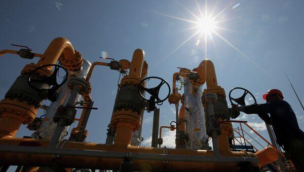 Rusia prevé preservar el monopolio de Gazprom para exportar gas - Sputnik Mundo