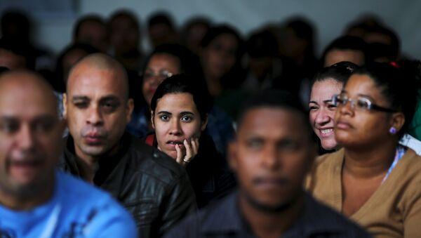 Brasileños desempleados en la búsqueda de puestos de trabajo en Sao Paulo - Sputnik Mundo