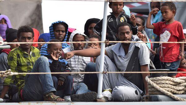 Migrantes africanos en Italia (archivo) - Sputnik Mundo