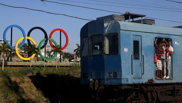 Río de Janeiro registra un atraco cada 3 minutos a un año de los Juegos Olímpicos - Sputnik Mundo