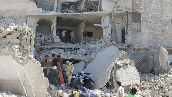 Situación en Alepo después de un ataque con bombas de barril - Sputnik Mundo