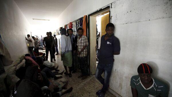 Mogherini discute operación de migración con cancilleres de Gran Bretaña, Italia y Libia - Sputnik Mundo