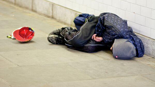 Un barrio de Londres impone multas de 1.400 euros a los 'sin techo' - Sputnik Mundo