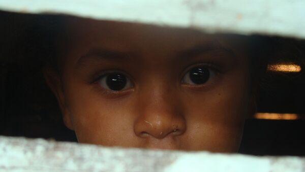 Niña de una provincia pobre dominicana - Sputnik Mundo