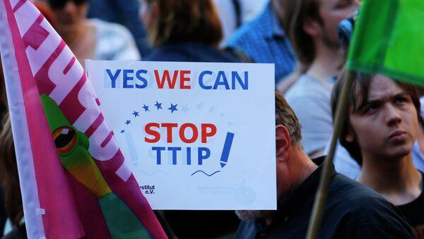 Manifestación contra TTIP en Alemania - Sputnik Mundo