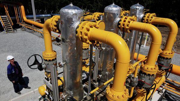 Contratos europeos de Gazprom alcanzan 4 billones de metros cúbicos de gas - Sputnik Mundo