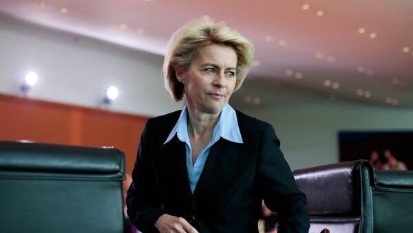 Ursula von der Leyen, ministra de Defensa de Alemania - Sputnik Mundo