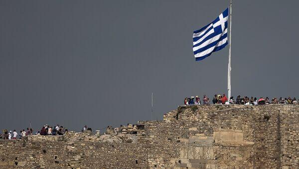 Bandera de Grecia en Acrópolis, Atenas, el 26 de junio, 2015 - Sputnik Mundo
