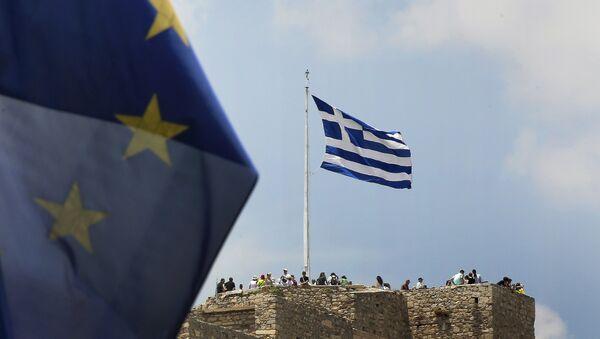 Banderas de Grecia y la UE - Sputnik Mundo