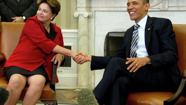 El presidente de EEUU, Barack Obama, se reúne con la presidente de Brasil, Dilma Rousseff, en la Casa Blanca en Washington, 2012 - Sputnik Mundo
