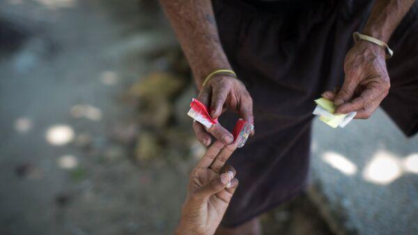 Compra del crack y la cocaína en las calles de Río de Janeiro - Sputnik Mundo