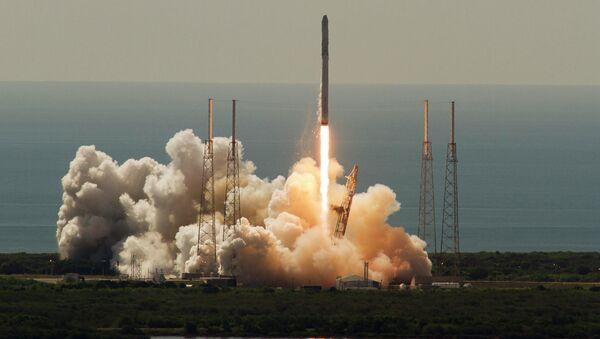 Lanzamiento del cohete Falcon 9 (archivo) - Sputnik Mundo