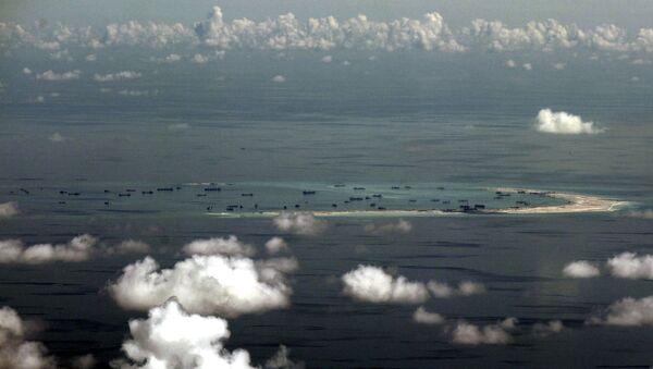 Una de las islas del archipiélago Spratley en el Mar del Sur de China - Sputnik Mundo