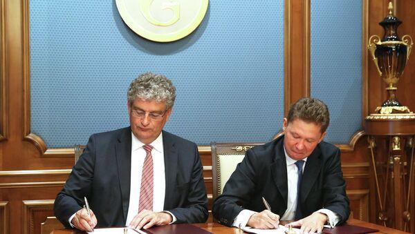 Presidente de Gasunie, Han Fennema y presidente de Gazprom, Alexéi Miller - Sputnik Mundo