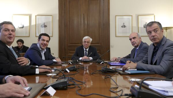 Primer ministro de Grecia, Alexis Tsipras, durante la reunión con líderes políticos y presidente de Grecia, Prokopis Pavlopoulos - Sputnik Mundo