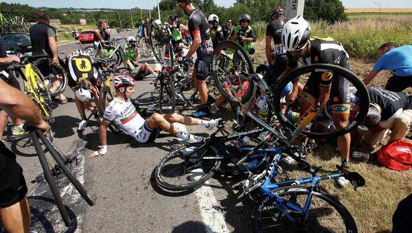 Terrible accidente en el Tour de Francia - Sputnik Mundo