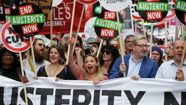 Protesta en contra de austeridad en Londres, Gran Bretaña, el 20 de junio, 2015 - Sputnik Mundo