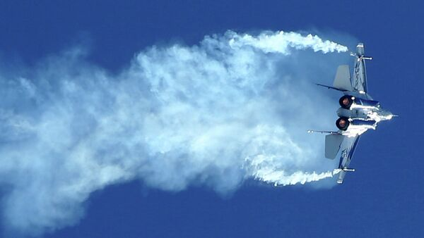 A Russian fighter Mig-29 OVT performs during the MAKS-2013, the International Aviation and Space Show, in Zhukovsky outside Moscow on August 27, 2013 - Sputnik Mundo