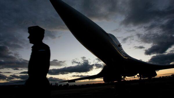 El bombardero estratégico Tupolev Tu-160 (Blackjack para la OTAN) - Sputnik Mundo