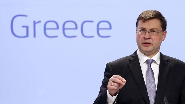 Valdis Dombrovskis, vicepresidente de la Comisión Europea, en Bruselas, Bélgica, el 15 de julio, 2015 - Sputnik Mundo