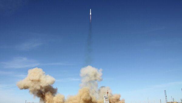 Старт РН Протон-М с американским спутником АМС-4P - Sputnik Mundo