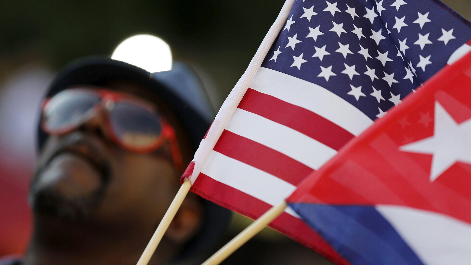 Banderas de EEUU y Cuba - Sputnik Mundo, 1920, 05.02.2021