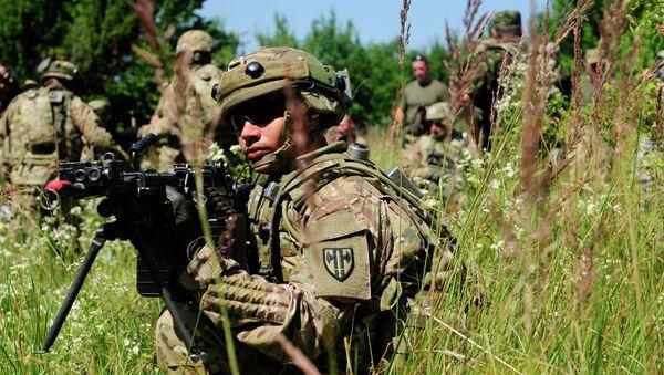 Maniobras militares Rapid Trident 2015 en Ucrania - Sputnik Mundo