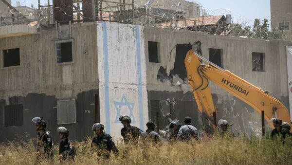 Demolición de los dos edificios en la colonia de Beit El, cerca de la ciudad palestina de Ramala - Sputnik Mundo