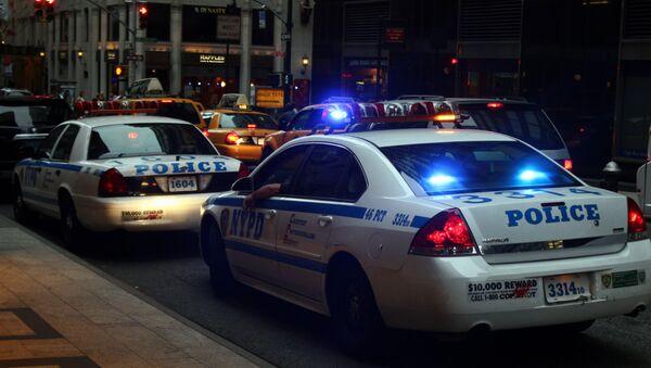 Полицейские машины в Нью-Йорке - Sputnik Mundo