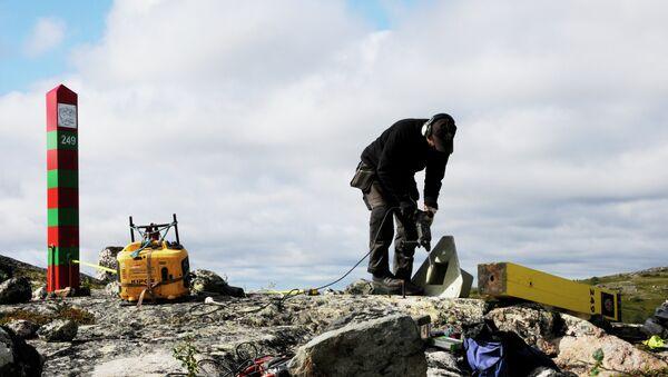 Hito fronterizo en la frontera entre Rusia y Noruega - Sputnik Mundo