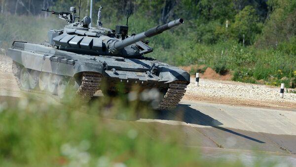 Torneo de biatlón de tanques en Alábino, región de Moscú, el 5 de agosto, 2015 - Sputnik Mundo