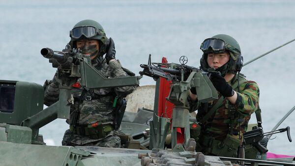 Corea del Sur anuncia ejercicios de artillería conjuntos con EEUU - Sputnik Mundo