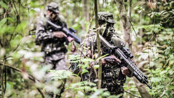 Soldados del Ejército Brasileño en la selva - Sputnik Mundo