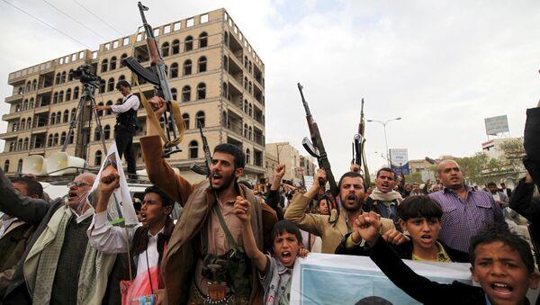 Hutíes en Sanaa, Yemen (archivo) - Sputnik Mundo