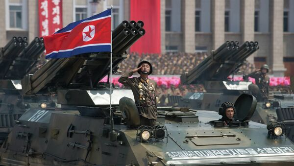 Desfile militar en Pyonyang (archivo) - Sputnik Mundo