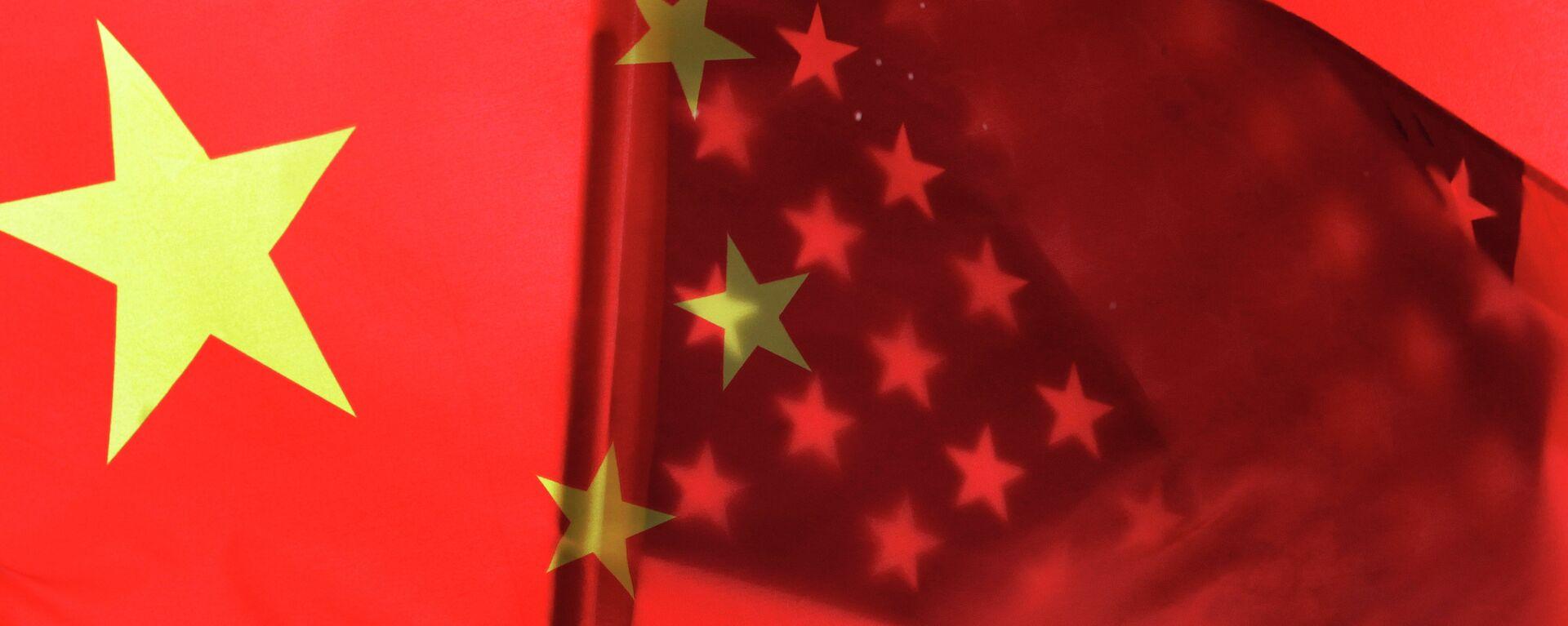 Banderas de China y EEUU - Sputnik Mundo, 1920, 17.03.2021