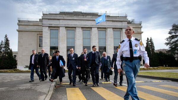 Delegación de la oposición siria durante negociaciones en oficina de la ONU en Ginebra (archivo) - Sputnik Mundo