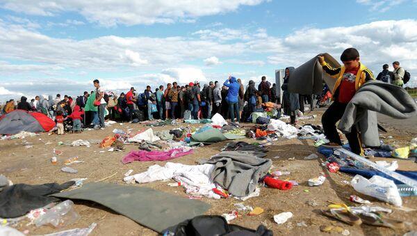 Migrantes en Hungría - Sputnik Mundo