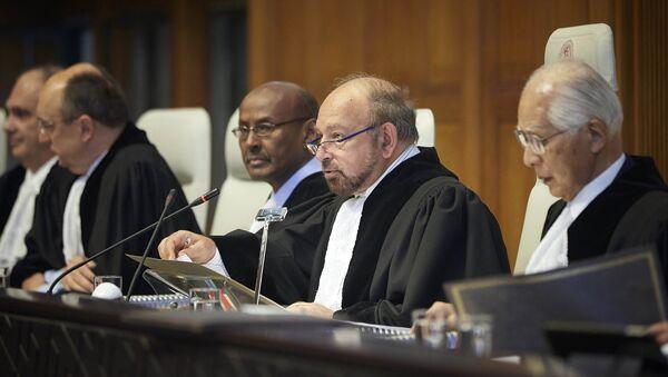 Los miembros de la Comisión de Arbitraje de la CIJ por el caso Bolivia vs. Chile - Sputnik Mundo