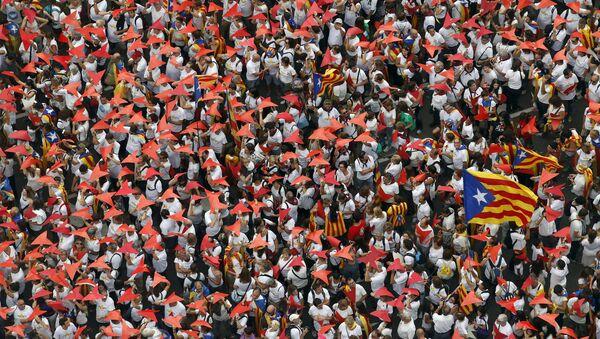 Partidarios de la independencia de Cataluña en Barcelona - Sputnik Mundo