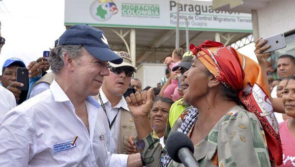Juan Manuel Santos, presidente de Colombia, durante su visita al corregimiento de Paraguachón, en la zona fronteriza con el estado Zulia, de Venezuela - Sputnik Mundo