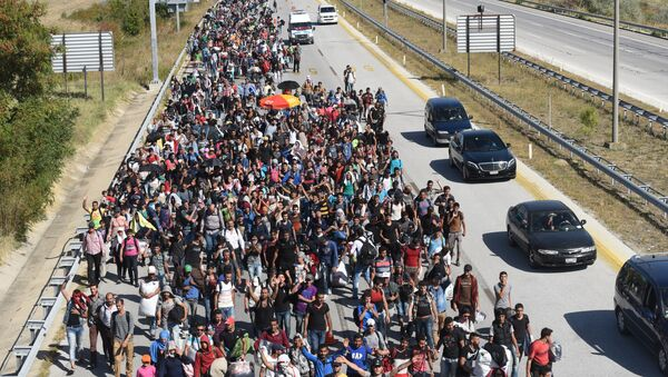 Migrantes y refugiados de Siria están yendo hacia la frontera de Grecia - Sputnik Mundo