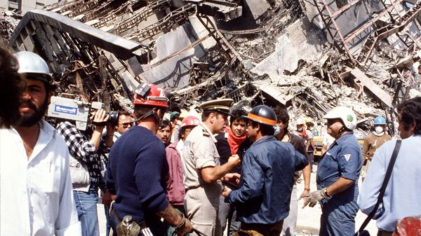 Las consecuencias del terremoto en México, 1985 - Sputnik Mundo