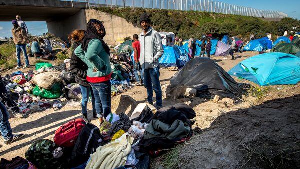 Migrantes están viviendo en lugar llamado Nueva Jungla - Sputnik Mundo