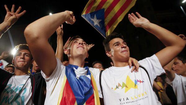Independentistas catalanes ganan mayoría parlamentaria - Sputnik Mundo