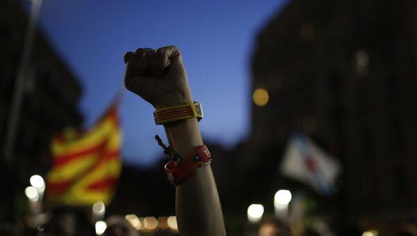 Victoria mínima de los independentistas en Cataluña - Sputnik Mundo